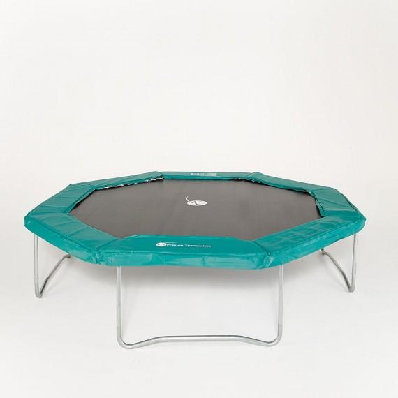 Coussin protection octogonal installé sur le trampoline