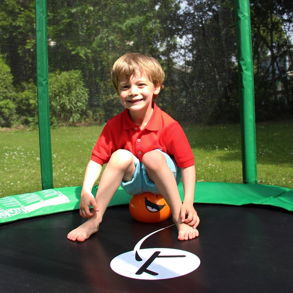 Fun coloured balls to play on your trampoline