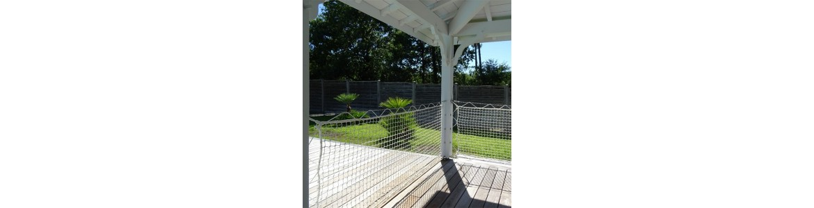 Outdoor rail nets