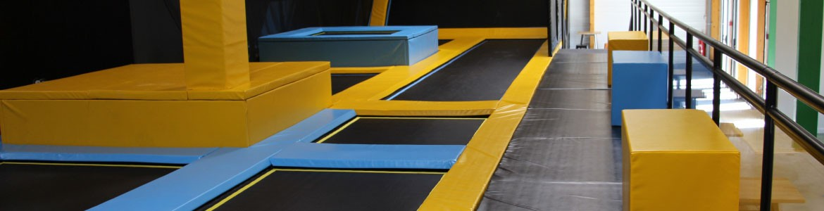 Free jumping zone, Foam pit zone, The Wall zone