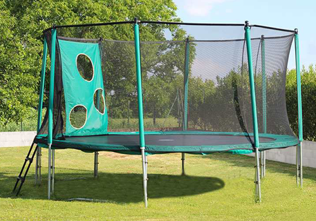Recreational trampoline with trampofootball