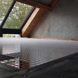 House net under roof window